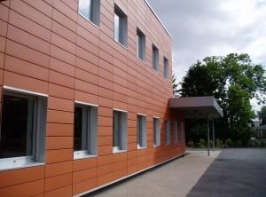 ventiliruemye-fasady-iz-linearnyh-paneley